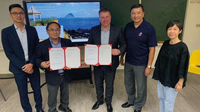 Minesto with representatives of NTOU after renewing the parties collaboration agreement in Taipei, October 2019